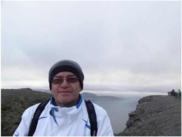Widok ze skały Nordkapp na Knivskjelodden